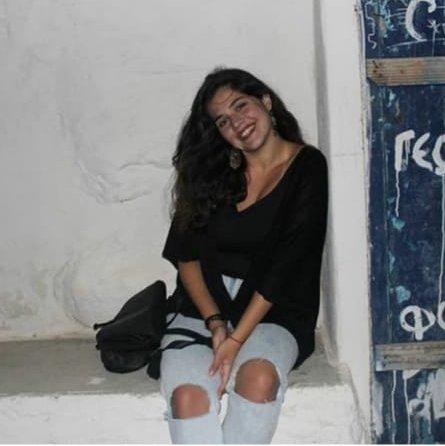 Ελίζα Σιμοπούλου – «Ακόμα Ψάχνουμε Τίτλο» – Κυριακή 7μμ – 9μμ