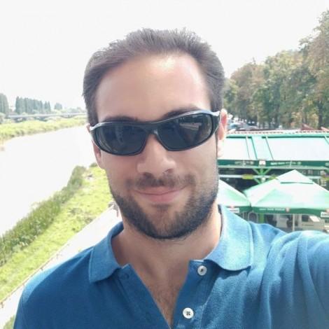 Στράτος Γαρυφάλλου – «και why not?» –  Κυριακή 9μμ-11μμ
