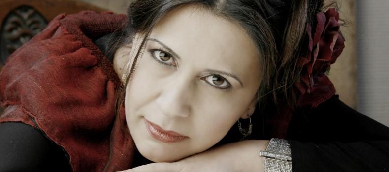 Η φωνή που σπάει τα σύνορα – Συνέντευξη της Dilek Koç στον Entropia Radio